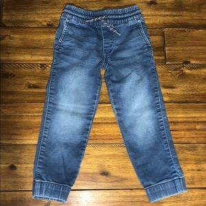 Boys Carter's jogger jeans